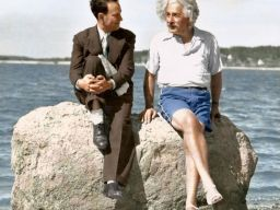 Albert Einstein in Long Island, 1939 (Photo credit: Paul Edwards)